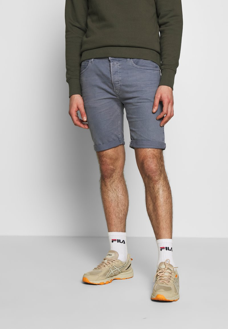 Replay - MA981B SHORT - Denim shorts - stone blue