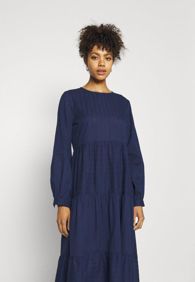 REBEKA TIERED DRESS - Sukienka letnia - medieval blue