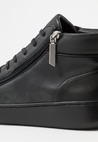 Calvin Klein - FRANSISCO HIGH TOP LACE UP - Sneakersy wysokie - black - 5