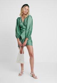 Samsøe Samsøe - MAGNOLIA SHORT DRESS - Cocktail dress / Party dress - green - 2