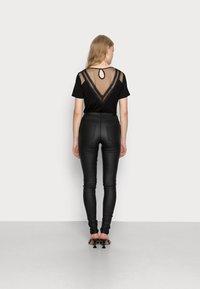 ONLY - ONLROYAL ROCK  - Pantalon classique - black - 2