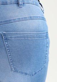 Zizzi - AMY LONG - Jeans Skinny - light blue - 4