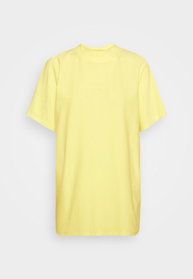 BROOKLYN - T-shirt med print - yellow iris