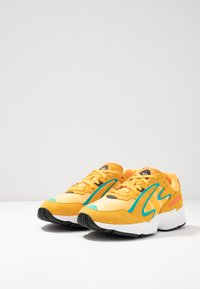 adidas Originals - YUNG-96 CHASM - Trainers - flash orange/active gold/ji-res aqua - 2
