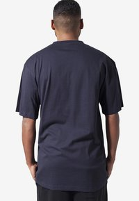 Urban Classics - T-shirt - bas - navy - 1
