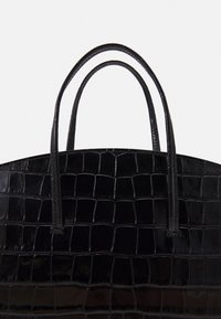 Little Liffner - MINIMAL MINI TOTE - Handbag - black - 4