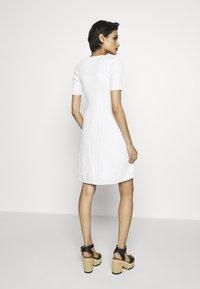 M Missoni - DRESS - Strikket kjole - white - 2