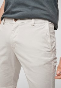 s.Oliver - Shorts - offwhite - 3