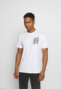 Tommy Jeans - REPEAT SCRIPT TEE UNISEX - T-shirt con stampa - white - 2