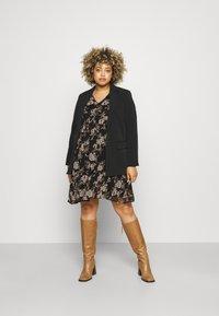 Vero Moda Curve - VMFRIDA V NECK DRESS - Day dress - black - 1