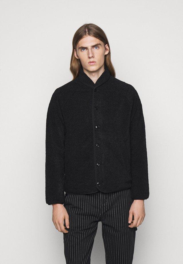 BEACH JACKET - Lehká bunda - black