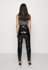 Missguided - CRACKED CORSET CIGARETTE TROUSER - Trousers - black - 2