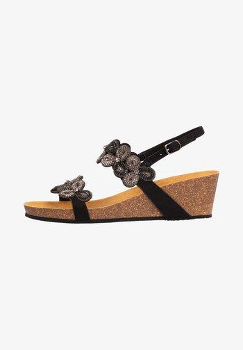 SCARLETT - Sandalen met plateauzool - schwarz