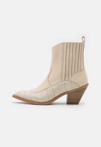 YASLUPLIO WESTERN BOOTS - Cowboy/biker ankle boot - cloud dancer