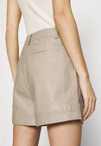 Gestuz - NIOA - Shorts - pure - 3