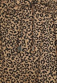 New Look Petite - ANIMAL PRINTED JOGGER - Trousers - brown - 2