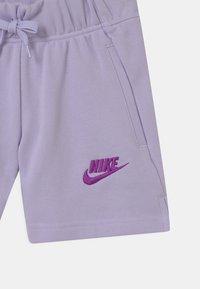 Nike Sportswear - CLUB - Szorty - purple chalk - 2