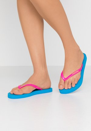 Pool shoes - diva blue