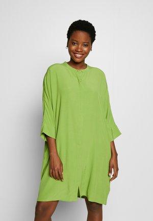 IOSETTA - Denní šaty - peridot