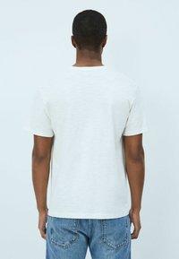 Pepe Jeans - DOUGLAS - Print T-shirt - blanco off - 3