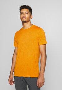 Icebreaker - TECH LITE CREWE - T-shirt basique - sun - 0