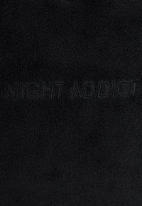 Night Addict - WALLACE - Felpa con cappuccio - black - 5