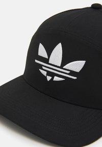 adidas Originals - BOLD UNISEX - Lippalakki - black - 3