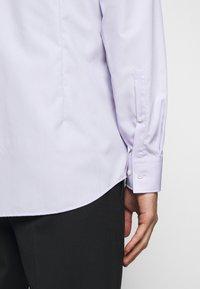 HUGO - KASON - Formální košile - light/pastel purple - 6
