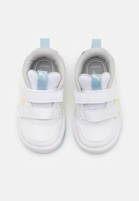 Puma - MULTIFLEX UNISEX - Sports shoes - white/yellow pear - 3