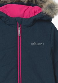 TrollKids - GIRLS LIFJELL JACKET - Winter coat - navy melange/magenta - 4