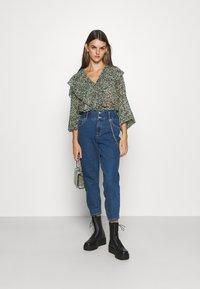 ONLY - ONLLU LIFE - Jeans baggy - medium blue denim - 1