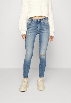 ONLPOWER MID PUSH UP PETIT - Jeans Skinny Fit - medium blue denim