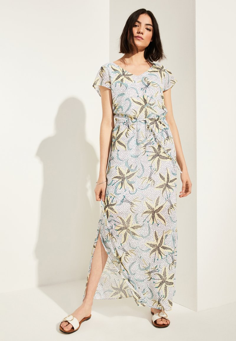 comma casual identity - MIT TUNNELZUG - Maxi dress - white flowers & dots