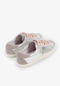 Scalpers - LIA - Sneakersy niskie - metal - 2