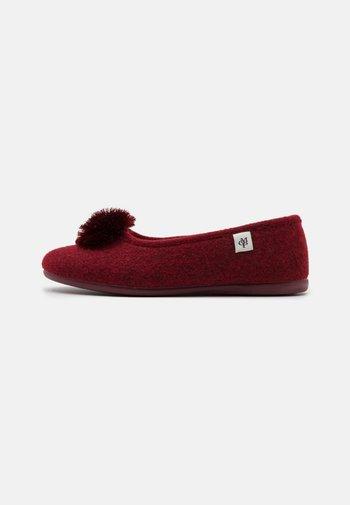 HEIDI 3D - Slippers - bordo
