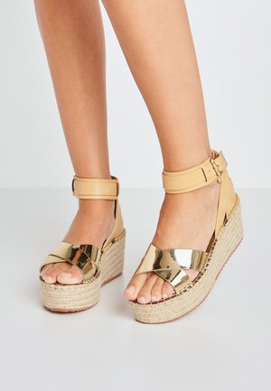 WITNEY COLLAR - Platform sandals - gold