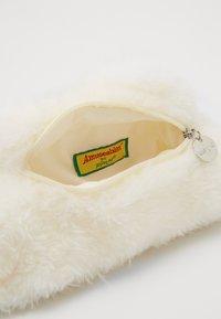 Jellycat - AMUSEABLE CLOUD BAG - Taška spříčným popruhem - white - 4