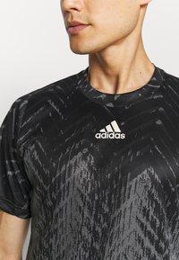 adidas Performance - TEE - Camiseta estampada - grey five - 4