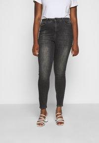 Vero Moda Curve - VMLORA WASH - Jeans Skinny Fit - black denim - 0