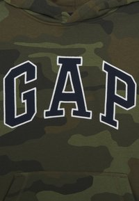 GAP - BOY CAMO ARCH - Mikina skapucí - khaki - 2
