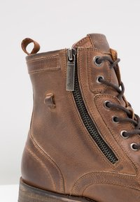 Pepe Jeans - MELTING ZIPPER NEW - Lace-up ankle boots - tan - 5