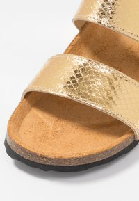 Bianco - BIABETRICIA TWIN STRAP - Slippers - gold - 2