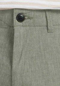 Jack & Jones - JJIDAVE - Shorts - olive night - 7