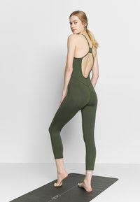 Free People - SIDE TO SIDE PERFORMANCE - Mono deportivo - green - 2