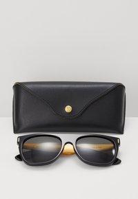 RETROSUPERFUTURE - Lunettes de soleil - black/gold-coloured - 1