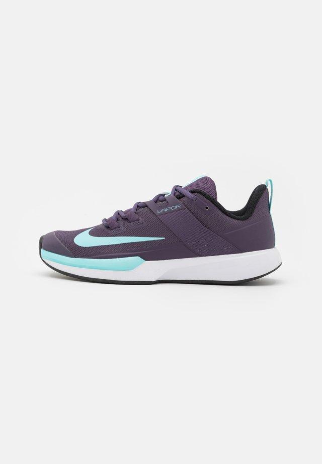 COURT VAPOR LITE CLAY - Chaussures de tennis pour terre-battueerre battue - dark raisin/copa/white/black