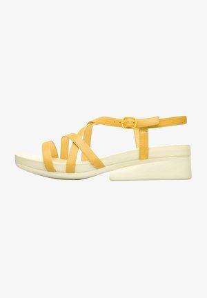 KAHM - Sandaalit nilkkaremmillä - gelb
