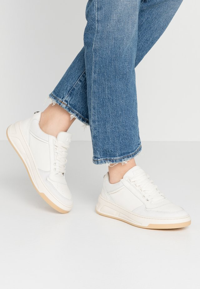 OLD COSMO - Sneakers laag - offwhite