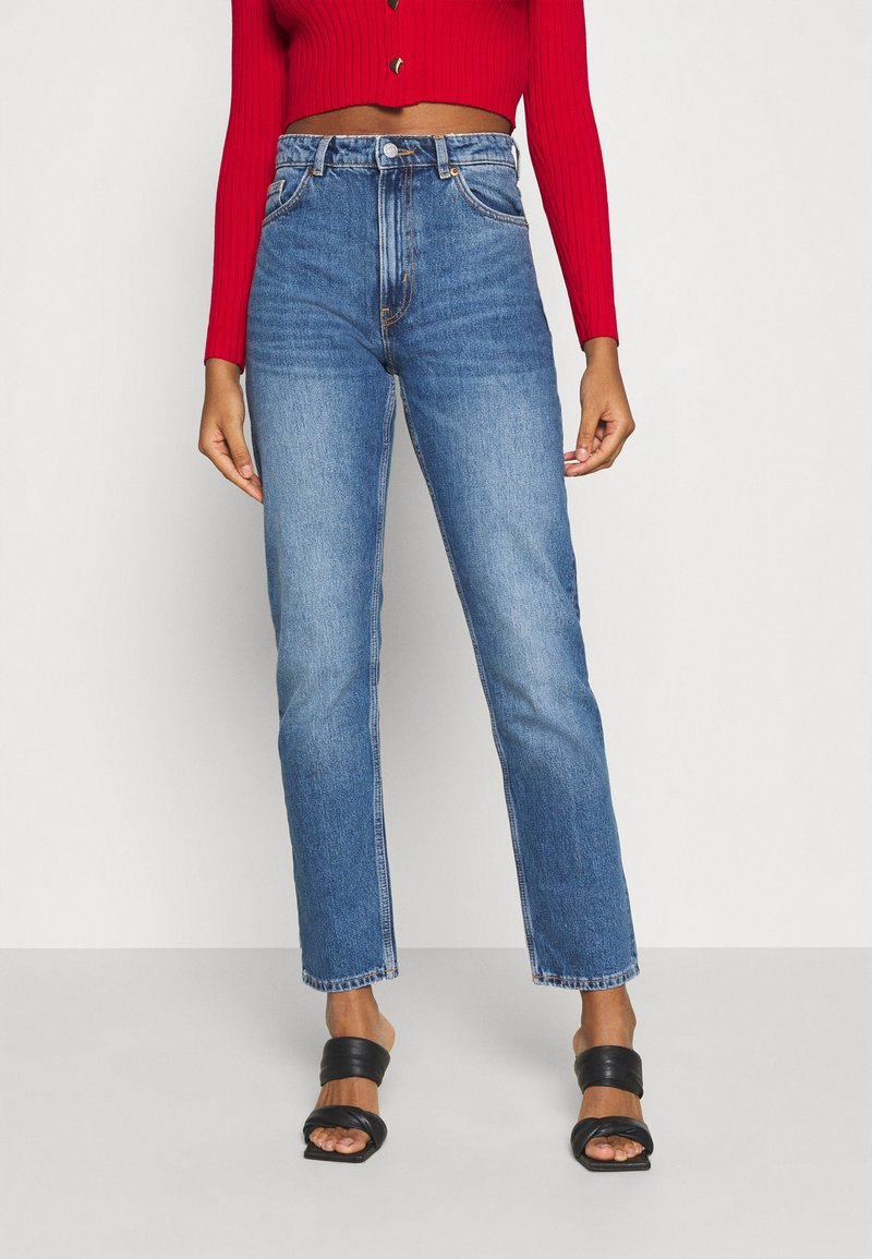 Monki - MOLUNA JEANS - Straight leg jeans - blue medium dusty