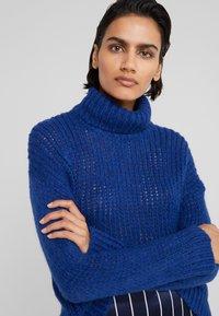Bruuns Bazaar - SIRIH AUGUSTA - Strickpullover - indigo blue - 4